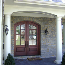 Traditional Entry by Mary Cassinelli Architect, LLC