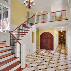 Traditional Entry by Buckley & Buckley Real Estate