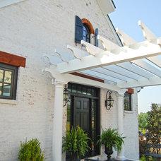 Farmhouse Entry by Custom Structures Inc