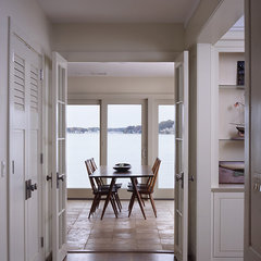 contemporary entry by Patricia B. Warren, AIA   Warren Architecture, LLC