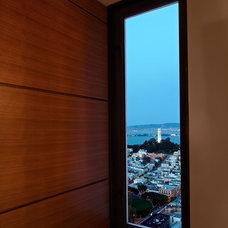 Modern Entry by Zack|de Vito Architecture + Construction