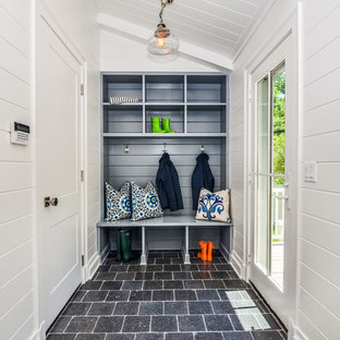 75 Most Por Small Mudroom Design Ideas For 2019 Stylish Remodeling Pictures Houzz