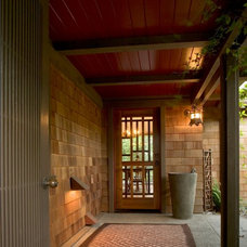 Asian Entry by Robert Holgate Design