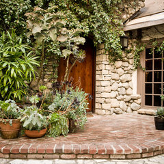 mediterranean entry by MTLA- Mark Tessier Landscape Architecture