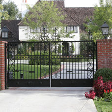 Traditional Entry by RG Fine Iron Works