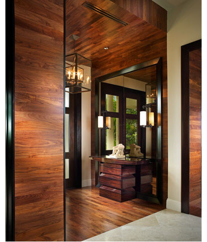 Contemporary Entry by b+g design inc.