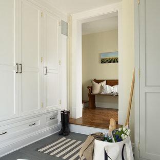 Esempio di un ingresso con anticamera tradizionale con pavimento in ardesia