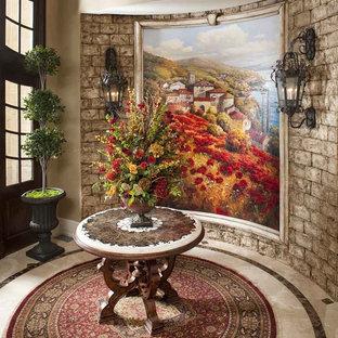 Italian-style Villa: Foyer