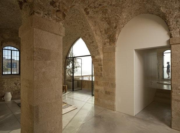 Mediterranean Entry by Pitsou Kedem Architect
