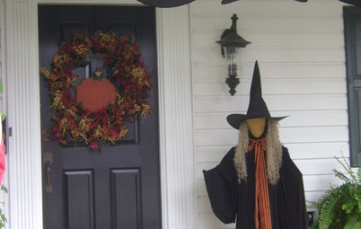 Houzz Call: Show Us Your Halloween-Themed Entryway
