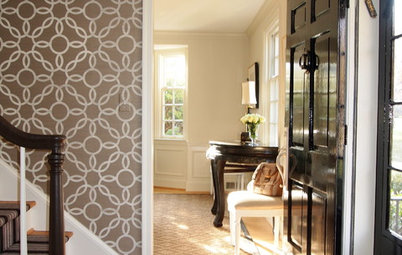 Expert Talk: Entryway Wallpaper Ushers In Style