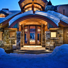 Traditional Entry by Charles Cunniffe Architects Aspen