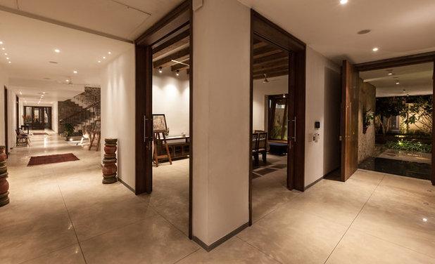 Contemporary Entry by Kumar Moorthy & Associates