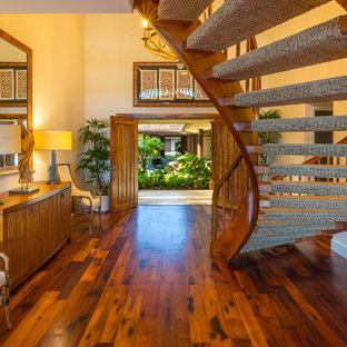 This is an example of a tropical entryway in Hawaii.