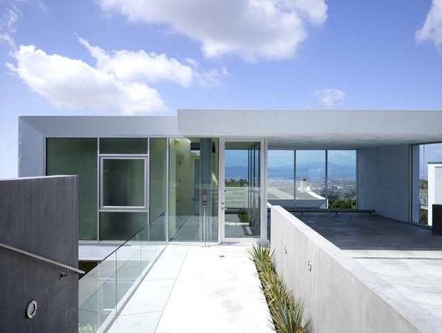 Modern Entry by Kanner Architects - CLOSED