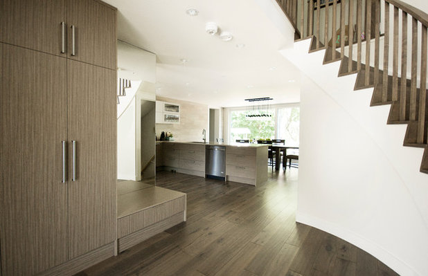 Modern Entry by Affecting Spaces