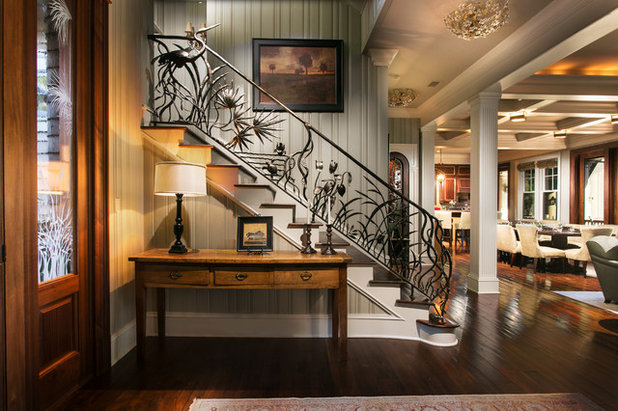 Traditional Entrance by Herlong Architects