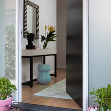 Modern Entry by Horton & Co. Designers
