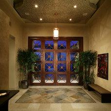 Contemporary Entry by Sun West Custom Homes LLC