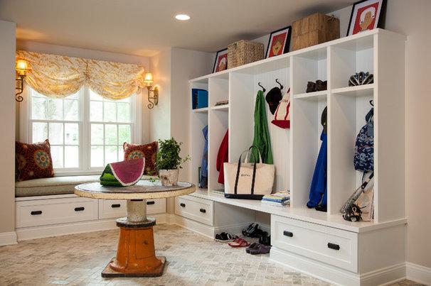 Traditional Entry by Cushing Custom Homes, Inc.