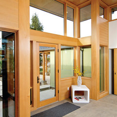 modern entry by Coates Design Architects Seattle