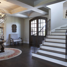 Traditional Entry by L. Cramer Designers + Builders