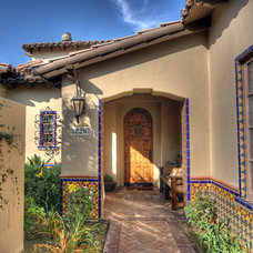 Mediterranean Entry by Sennikoff Architects