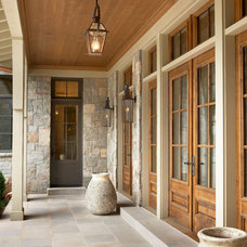 Traditional Entry by Markalunas Architecture Group