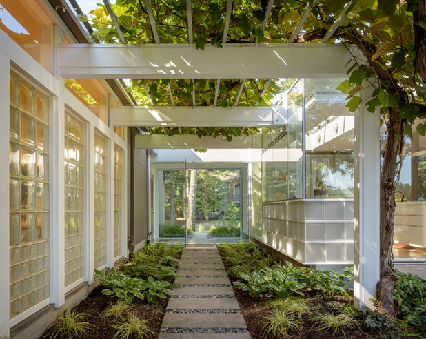 Contemporary Entry by Hammer & Hand