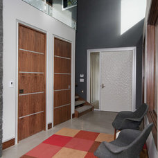 Contemporary Entry by Creative Construction Management/Jeff Hill