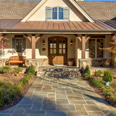 Rustic Entry by Ridgeline Construction Group, Inc