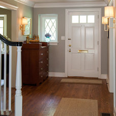 Traditional Entry by Cushing Custom Homes, Inc.