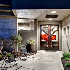 Contemporary Entry by McQuay Architects