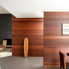 Contemporary Entry by LEANARCH Inc.