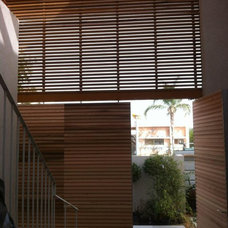 Modern Entry by Osengar ARCHITECTS
