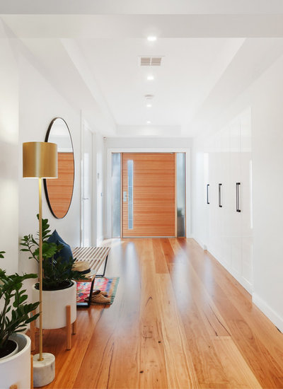 Contemporary Entrance by Mosaic Media Melbourne