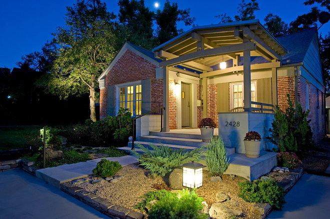 Contemporary Porch by CRFORMA DESIGN:BUILD