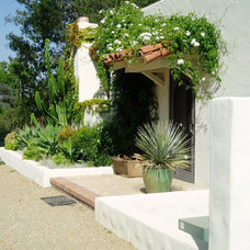 Mediterranean Entry by The Design Build Company