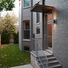 Contemporary Entry by SPACE Architects + Planners