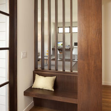 contemporary entry by Andrea Swan - Swan Architecture