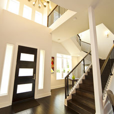 Contemporary Entry by JMC Designs llc