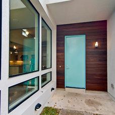 Modern Entry by DeWitt Architects