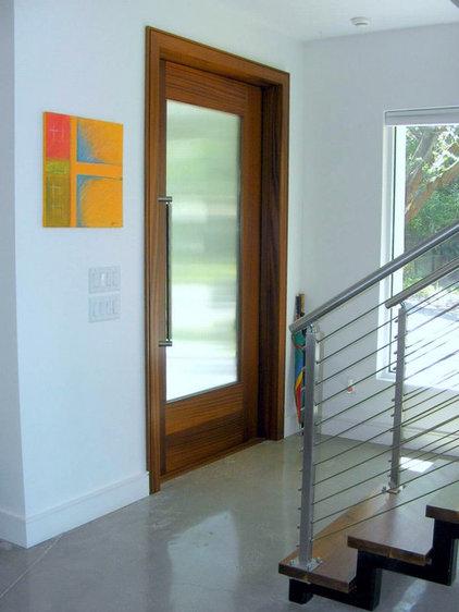 Modern Entry by Jaju design & development