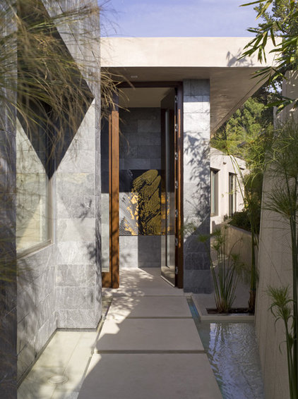 Contemporary Entry by Lori Dennis, ASID, LEED AP