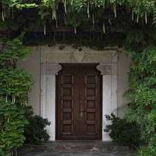 Traditional Entry by Woodson & Rummerfield's House of Design