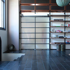 Contemporary Entry by Union Studio
