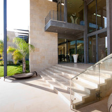 Modern Entry by Field Architecture