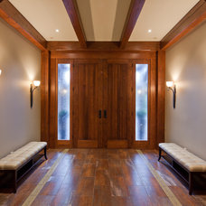 Traditional Entry by tdSwansburg design studio