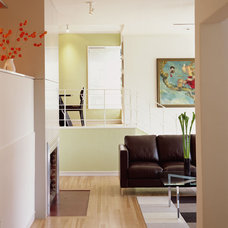 Contemporary Entry by Studio Sarah Willmer