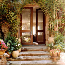 Traditional Entry by Susan Cohen Associates, Inc.
